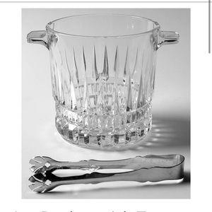 Ice Bucket Villeneuve